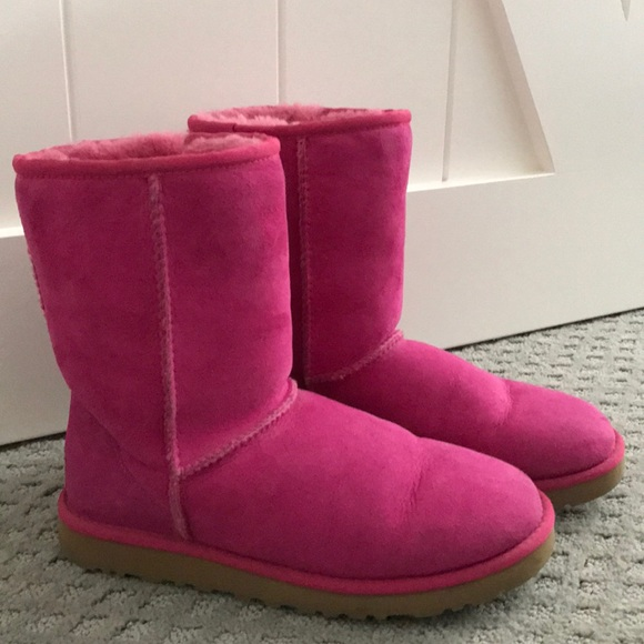 89506aeb608 Pink short ugg boots
